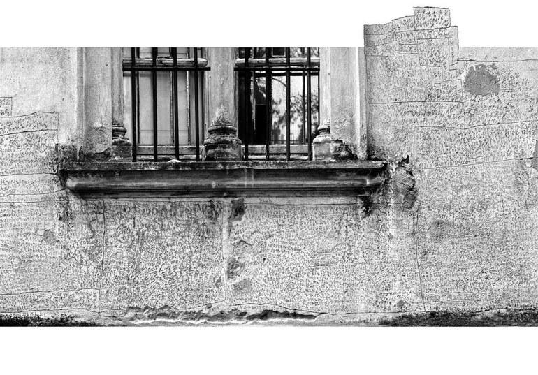 Gravierte Inschriften (1959-19611968-1973), Fassade des Ospedale psichiatrico in Volterra (Italien) © Foto Pier Nello