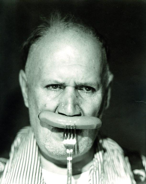 August Walla eating © Martin Vukovits